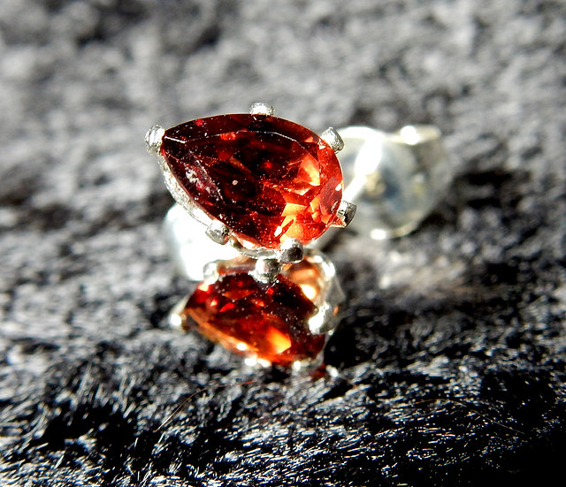 red garnet main picture on black background