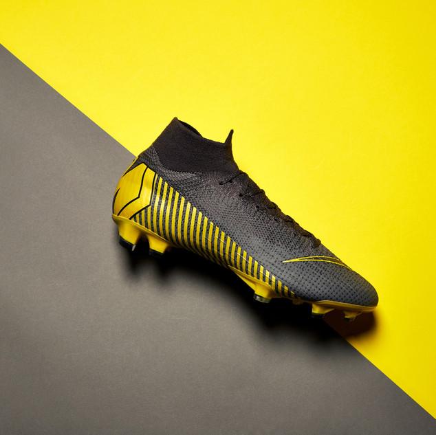 Nike boot laydown 001