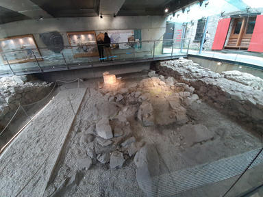 In the late 15th century, the Tribe families of Galway seized power from the De Burgos and forced them out of the city. The hall subsequently became abandoned and fell into ruin. Over the intervening centuries, the ruins were covered over and further built upon.  In 1997 archaeologists unearthed the remaining ruins of the site with over 11,000 artefacts being uncovered.