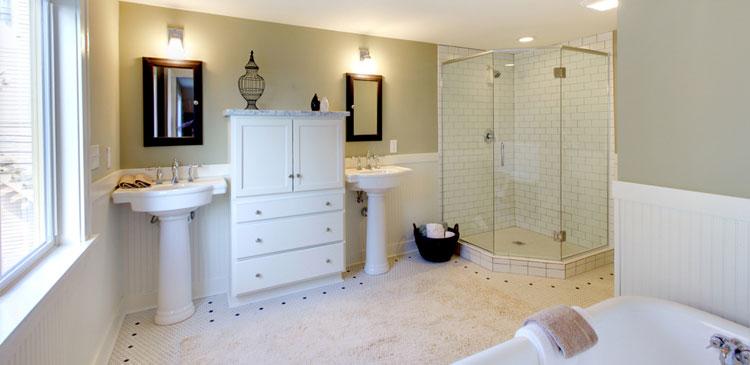 adhogg_builder_home_additions_midrange_bathroom-3