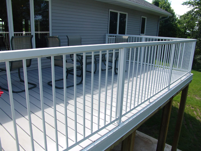 adhogg_builder_deck_patio-aluminum-11