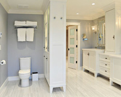 adhogg_builder_home_additions_midrange_bathroom-1
