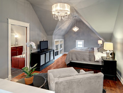 adhogg_builder_home_additions_attic_bedroom-7