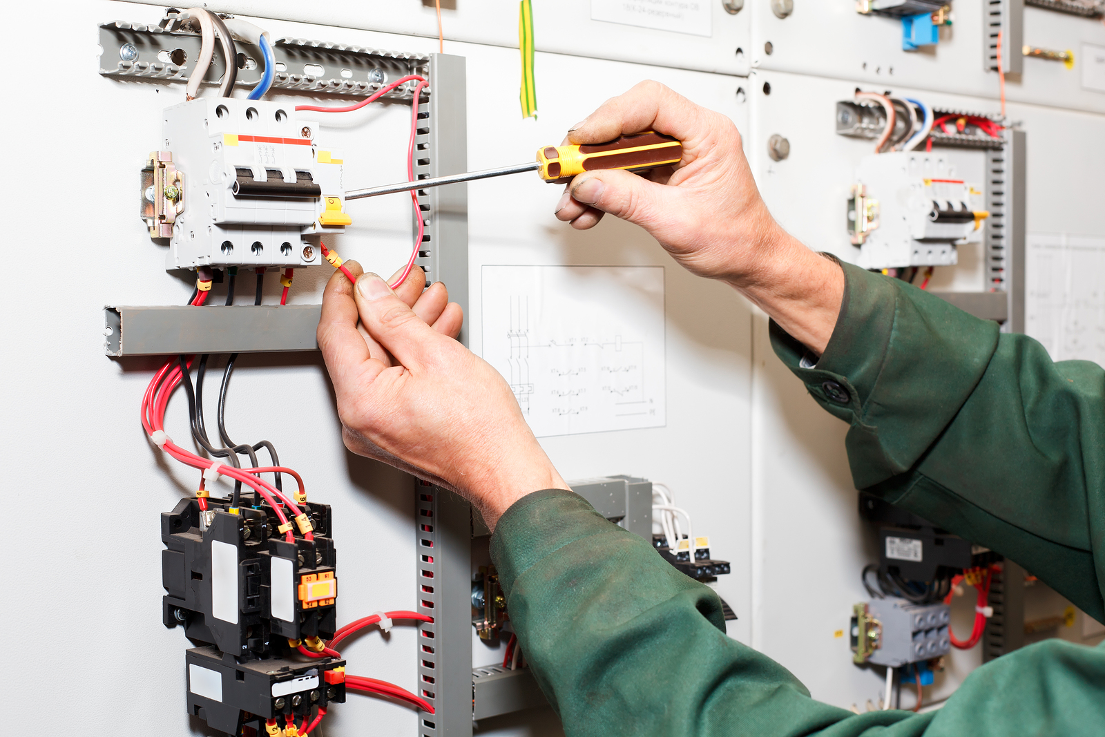 adhogg_builder_electrical-2