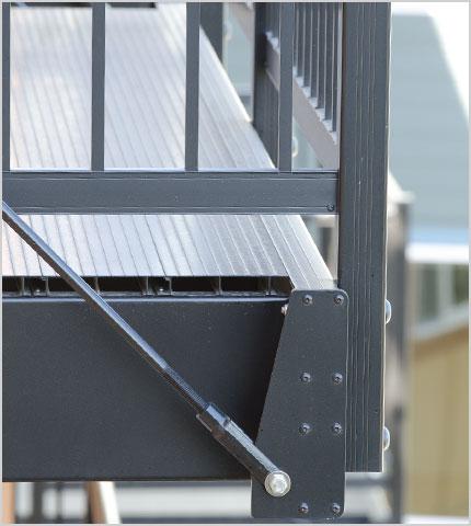 adhogg_builder_deck_patio-aluminum-3