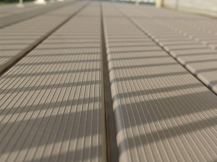 adhogg_builder_deck_patio-aluminum-5