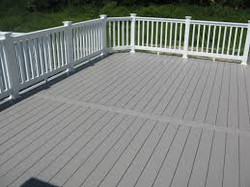 adhogg_builder_deck_patio-vinyl-3