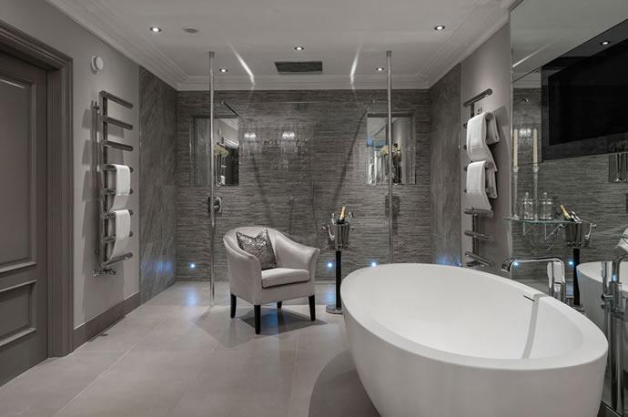 adhogg_builder_home_additions_luxury_bathroom-11