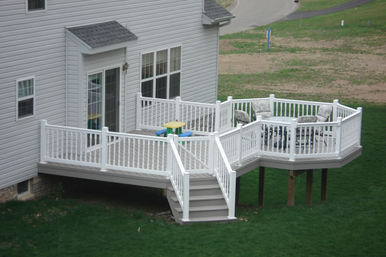 adhogg_builder_deck_patio-vinyl-6