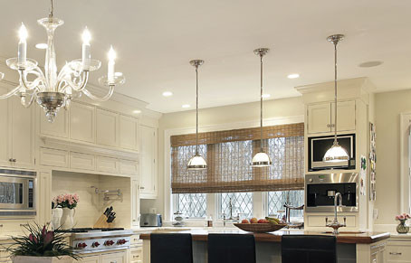 The Best-Lit Kitchens Use Layered Lighting