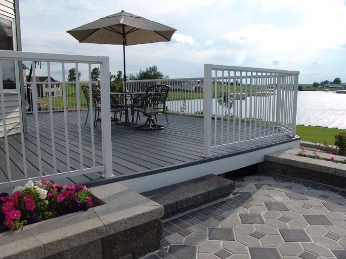 adhogg_builder_deck_patio-aluminum-12