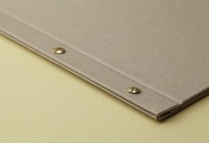 Корешок папки меню с болтами