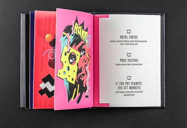 Барное меню напечатано на дизайнерской бумаге Senzo с дырками для крепления в папке на болтах