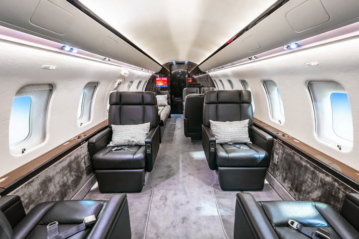 Bombardier Challenger CL604