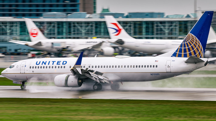 United Airlines | Boeing 737-800