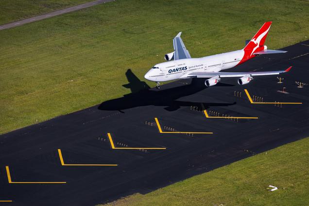 Qantas   Boeing 747-400ER
