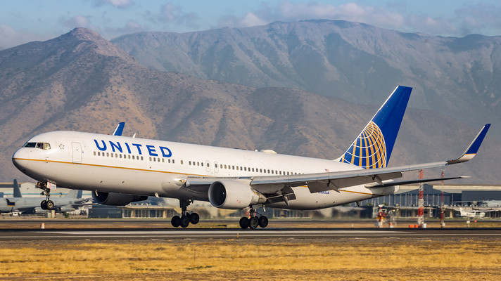 United Airlines | Boeing 767-300ER