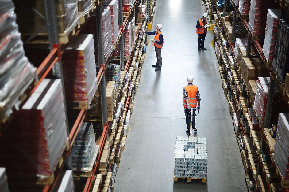 working-in-aisle-L4HHBC9.jpg