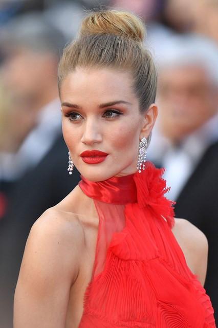 Rosie-Huntington-Whiteley_Cannes
