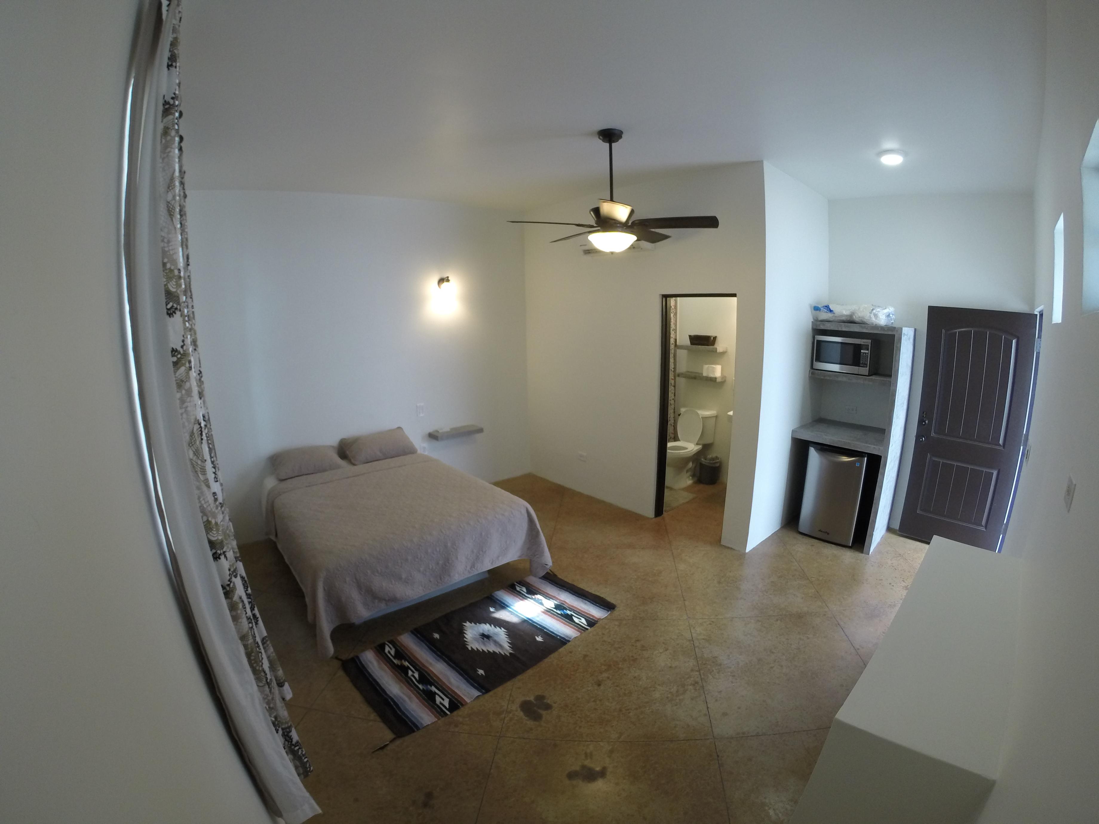 Studio Bedroom W/ Queen Bed