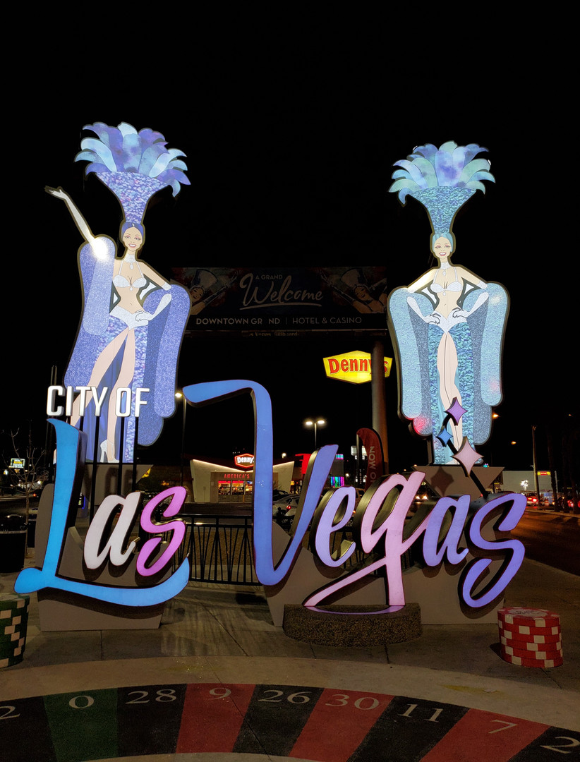 Welcome To Las Vegas Downtown Showgirls
