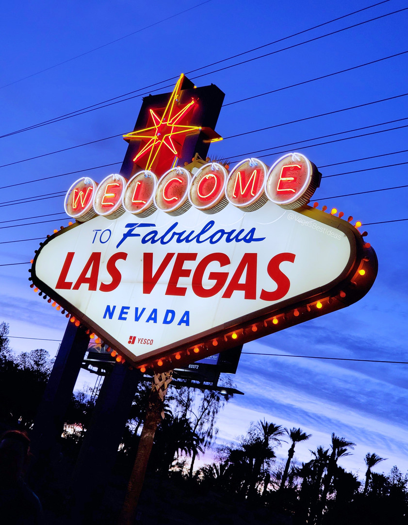 Welcome To Fabulous Las Vegas Sign Blue