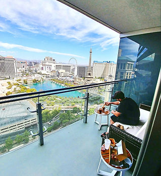 1 Best Vegas Balcony Room The Cosmopolit