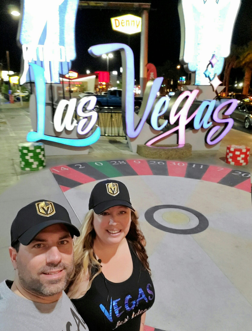 Downtown Las Vegas Welcome Sign GT Selfi