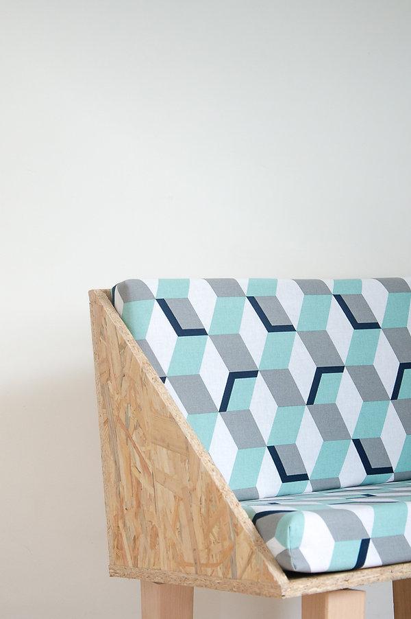 Chaise en bois tissu géométrique