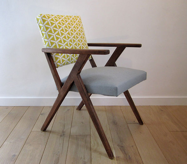 Chaise scandinave pieds compas