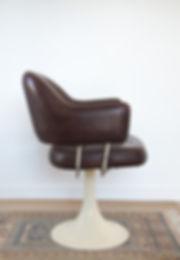 chaise vintage pied tulipe