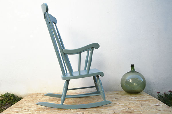 Rocking chair vintage relookée pas cher