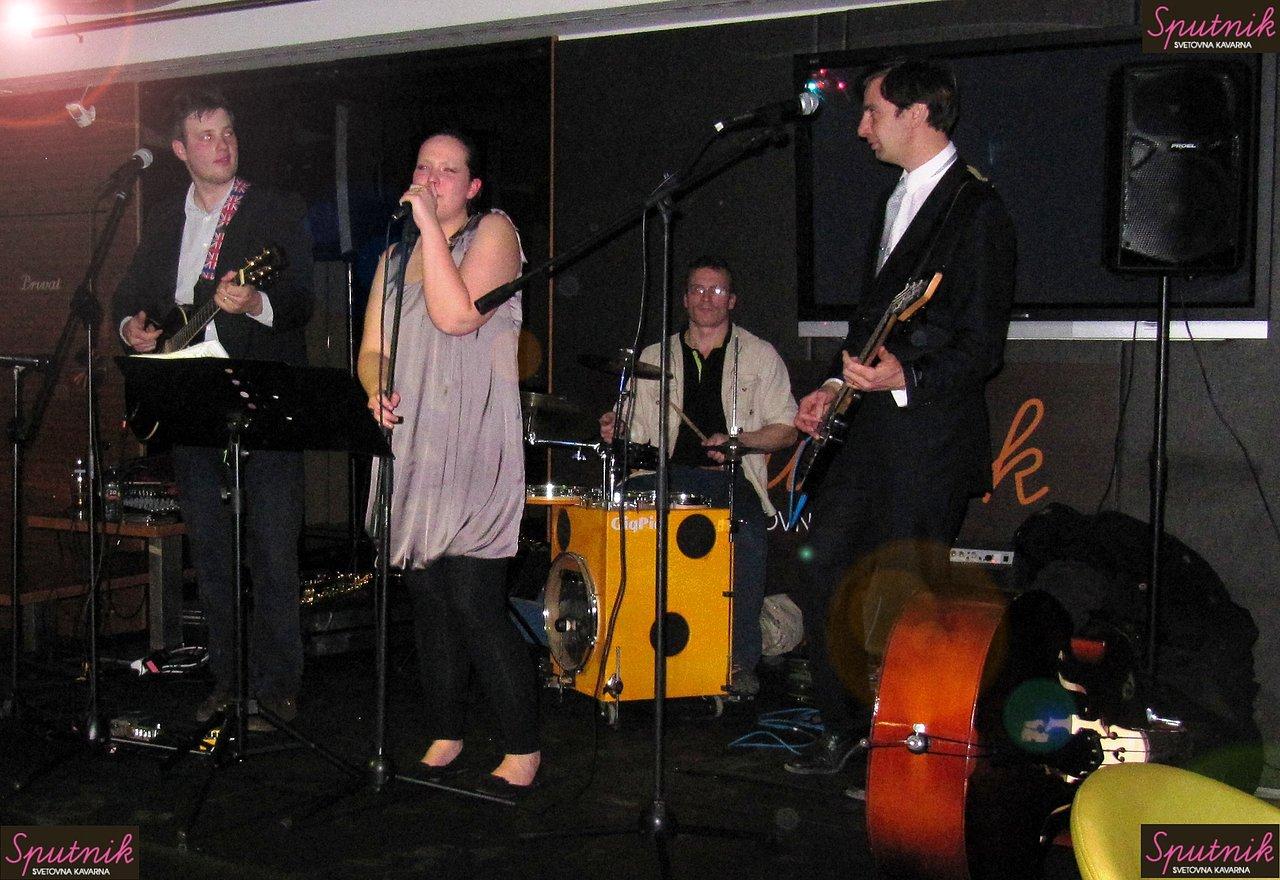 Koncert v Sputnik, svetovna kavarna