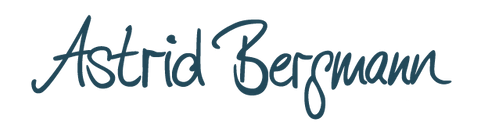 ASTRID BERGMANN Schriftzug-Logo Hex 2249
