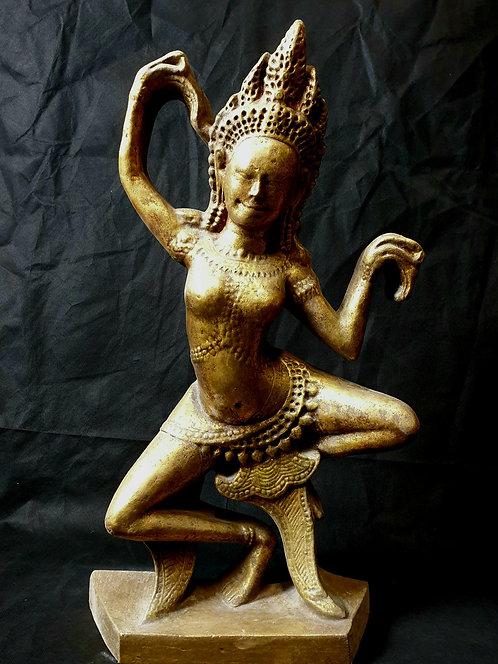 Danseuse apsara-Bras droit levé
