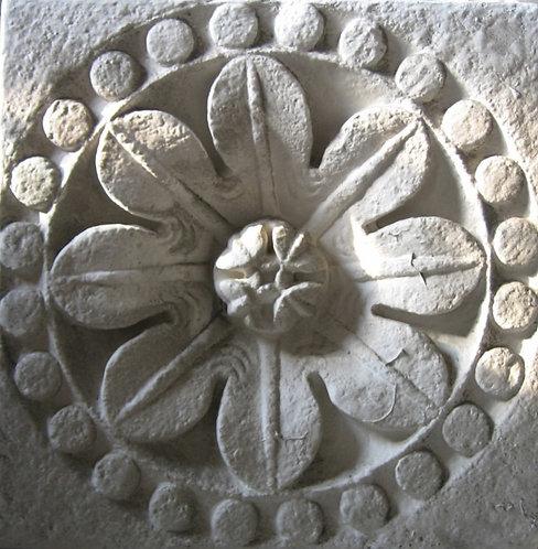 Rosace | Rose | Eglise Sainte Croix | La Charité sur Loire | XIIe siècle