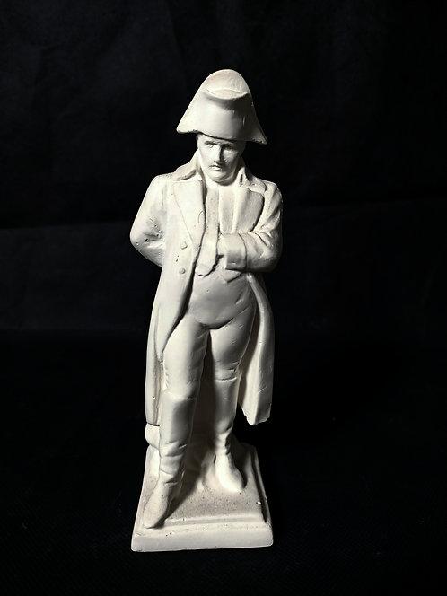 NAPOLEON en Pied Mains dans le manteau | Statuette