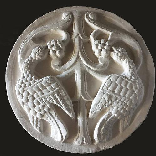 Oiseaux becquetant du raisin | Médaillons XIIe s. | Musée de Picardie à Amiens