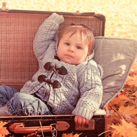Baby im Herbst