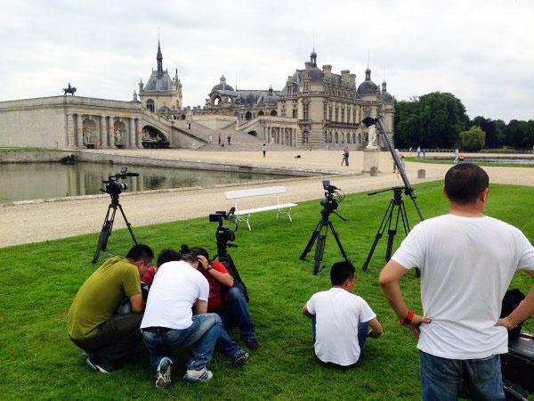 接待旅游卫视的制片团在法国北部