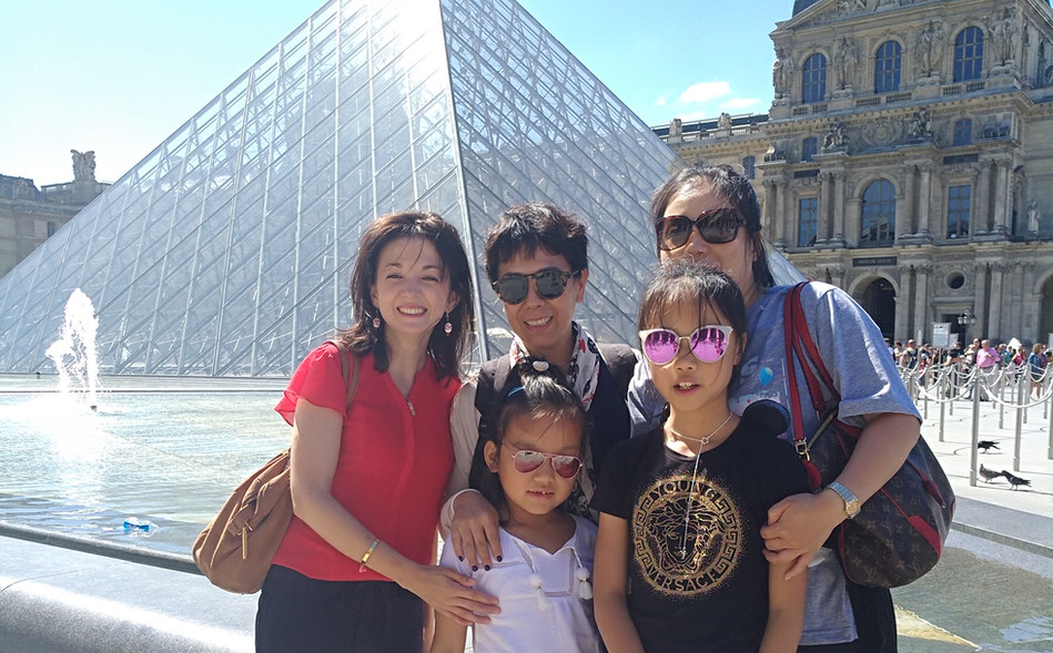 卢浮宫金字塔