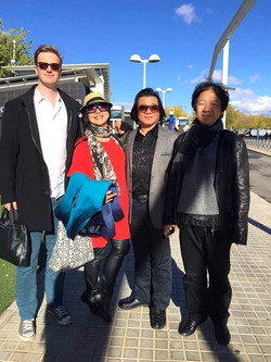 接待中国艺术家在法国和西班牙