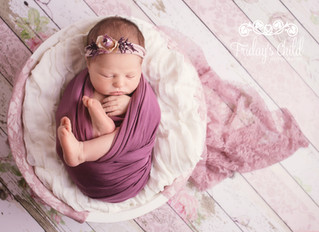The Importance of a Little Sitter session and why I'm gifting a session to all my Newborn Client