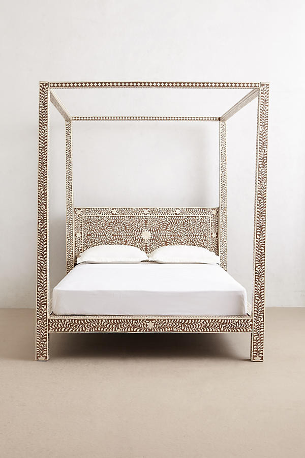 Exquisite Four Poster Bed