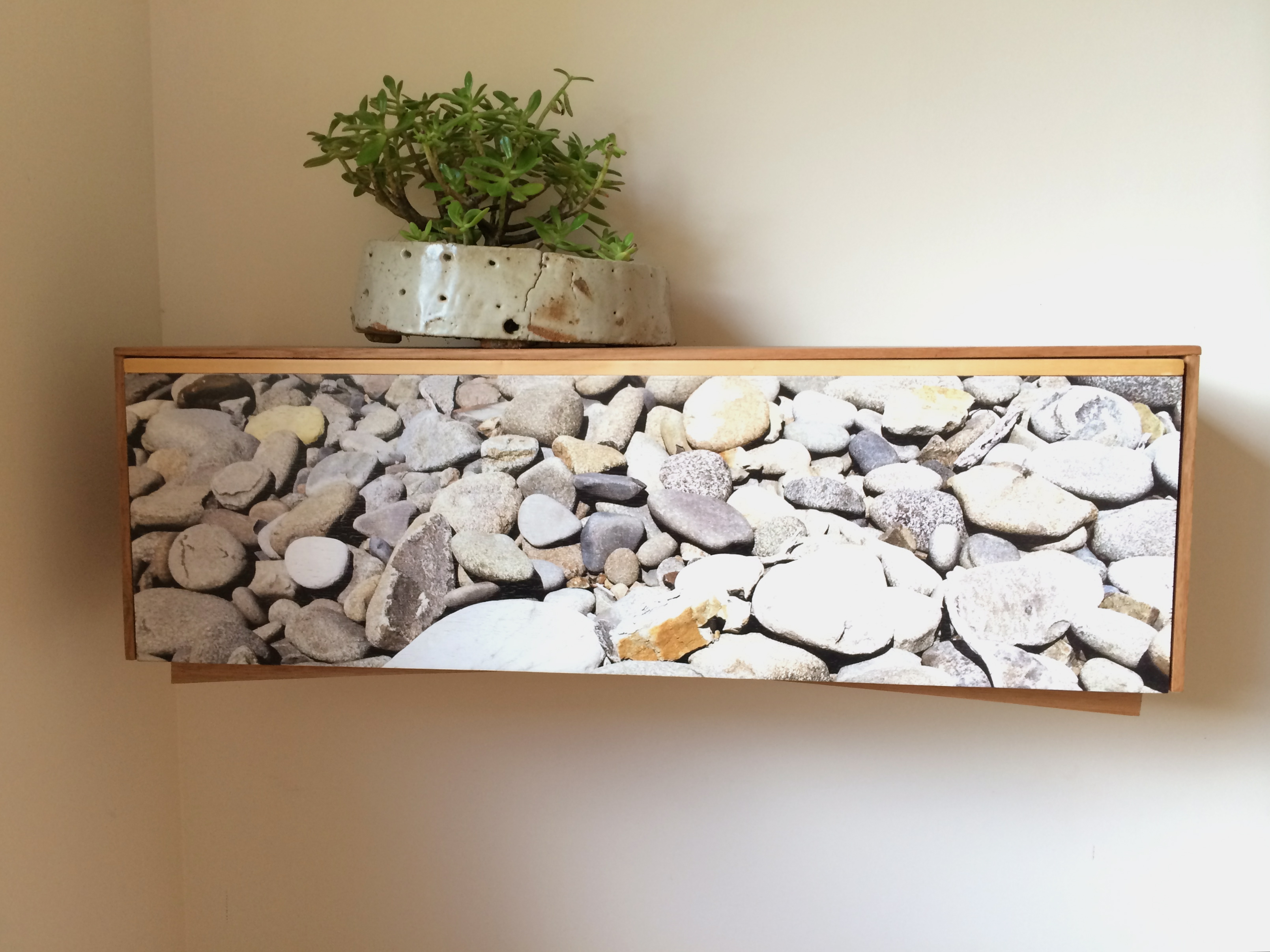 Floating Desk - Rocks