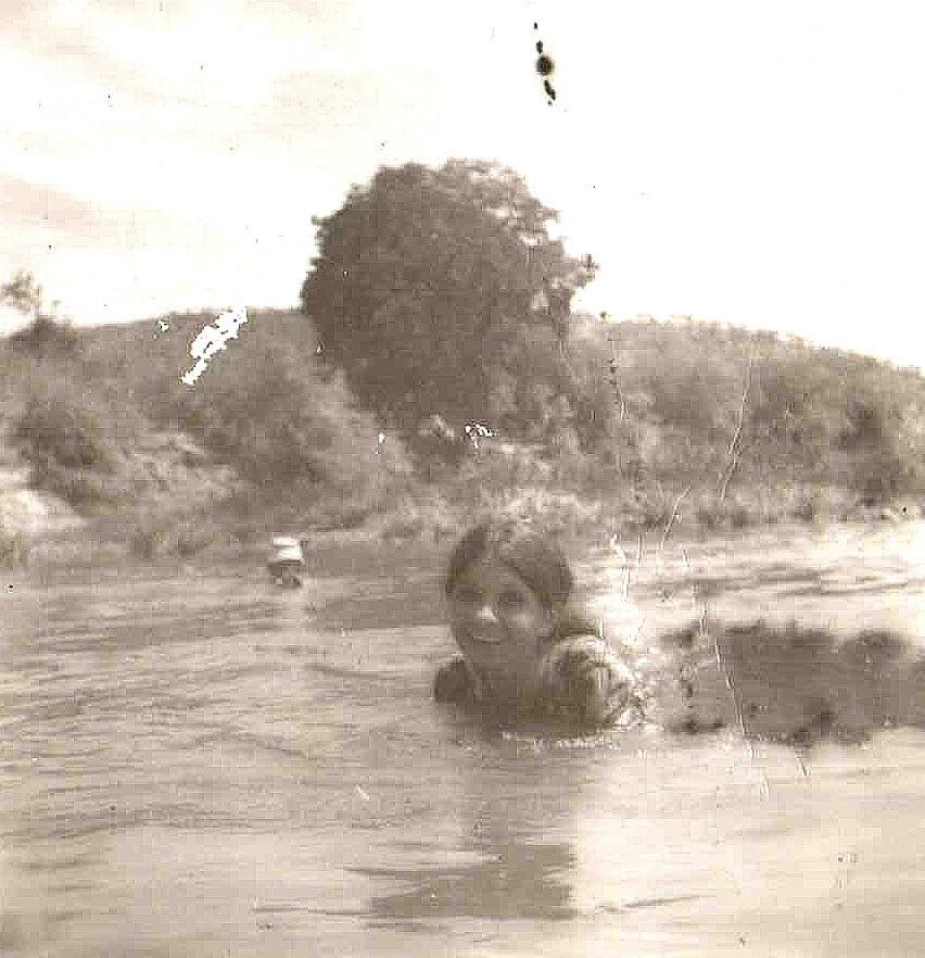 Bunni swimming