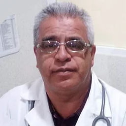 Internista Ricardo Cossio