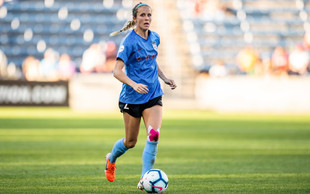 Nikki Stanton Signs with the Chicago Red Stars