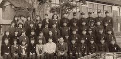 8. 中学校卒業記念 (1958年)