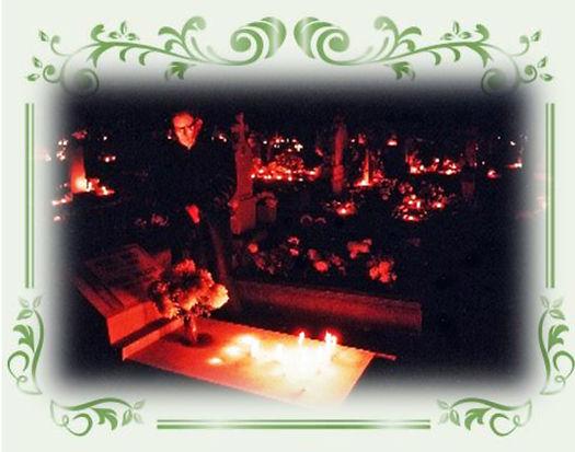ハンガリーの夜の墓参り.jpg